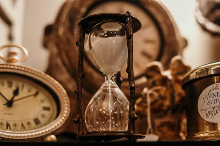 """Свещеното """"Време"""""""